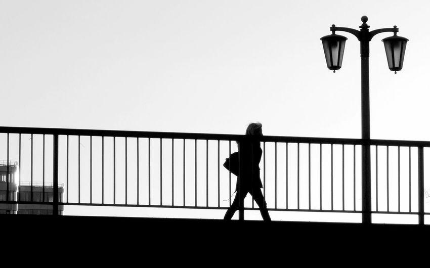 Lampost Monday it is today. Silhouette Fortheloveofblackandwhite Blackandwhite Photography NEM Street Streetphotography EyeEm Gallery Streamzoofamily Shootermag Malephotographerofthemonth