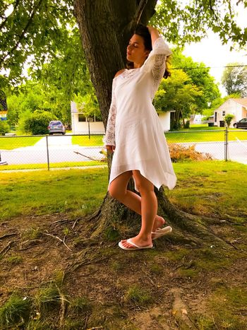 EyeEm Selects Full Length One Person Real People Leisure Activity Tree Lifestyles Young Adult Young Women Day Outdoors Standing Portrait Nature One Woman Only Adult People Beauty In Nature Nature Sky Close-up Personal Perspective Tree Women Neighborhood