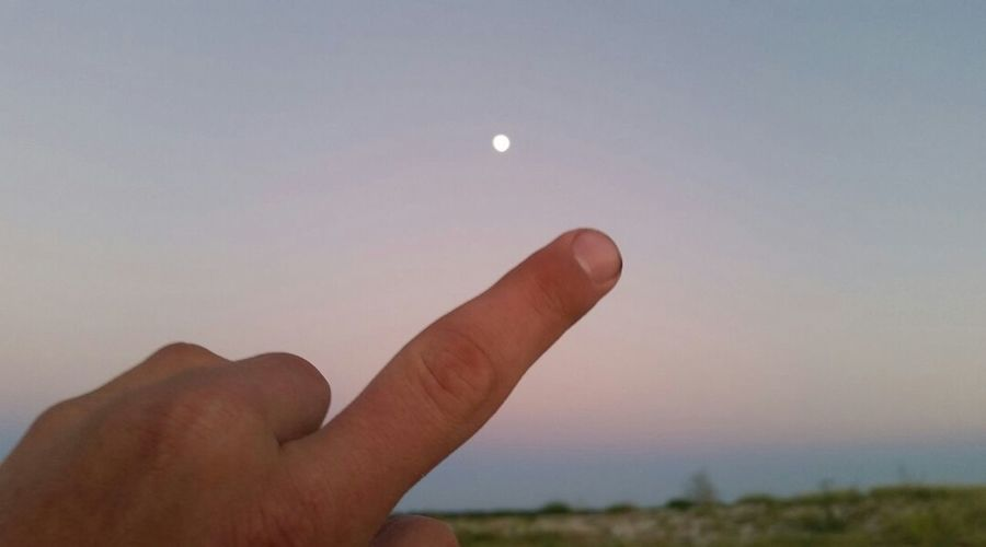 tbt Photography Abstract Middle Finger Love Moonlight