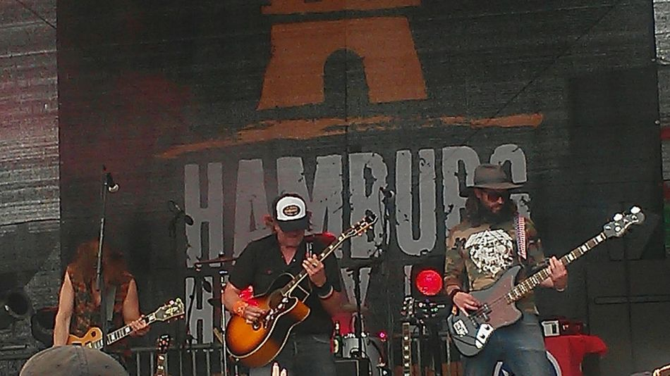 Harleydays Concert Hamburg Enjoying Life Texasmusic