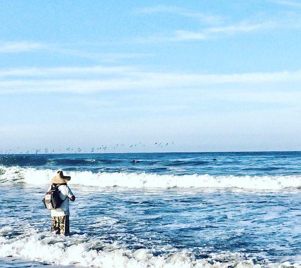 Fisherman On The Beach EyeEm Team EyeEm Best Shots EyeEm Team Sea Water Sky Scenics - Nature Beauty In Nature Horizon Over Water Real People Beach Outdoors Cloud - Sky Leisure Activity Nature One Person Horizon