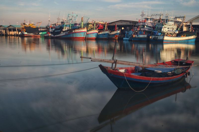 Floating fishing both Fishing Boat Floating River View Reflection Sky Boat