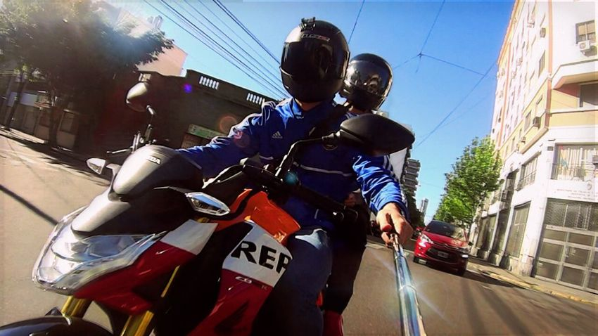 Honda Architecture Built Structure Yamaha MT09 City Transportation Mode Of Transport Land Vehicle Street City Life Car Residential Structure City Street Riding Road On The Move Residential Building Holding Day Outdoors Casual Clothing Selfi Self Portrait Honda Cbr600rr Cbr