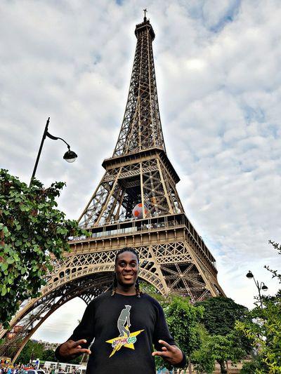 Paris France Eiffel_tower  DHKSB Bonjour Paris Bonjour Cest La Vie S7edge S7edgephotography S7edgephoto Architecture Travel Explore Tourist Tourist Attraction  Tourism