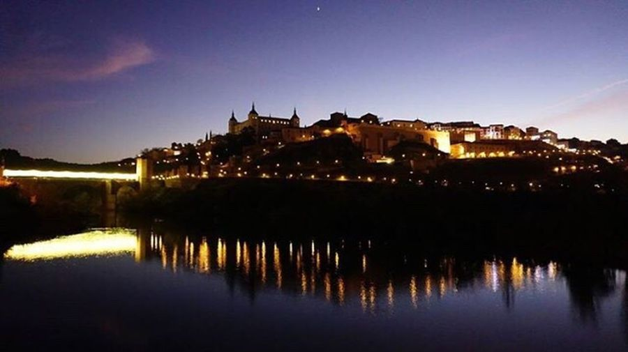 Detodounpoco Nightphotography Streetphotography Toletum Toledo Spain