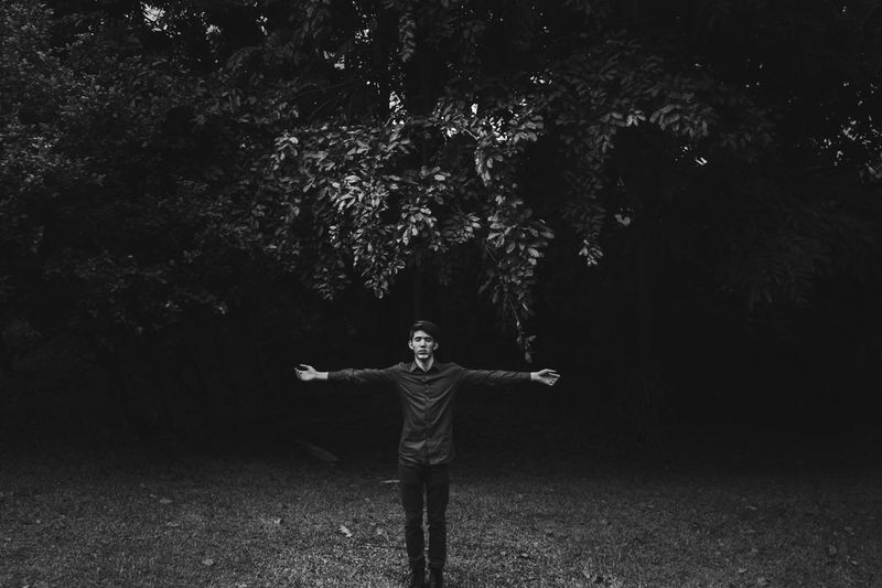 Embrace Abstract Art Black And White Break The Mold Contrast Emotions Light Light And Shadow Monochrome One Person Outdoors People Portrait Real People Standing Tree The Portraitist BYOPaper! BYOPaper! Focus On The Story