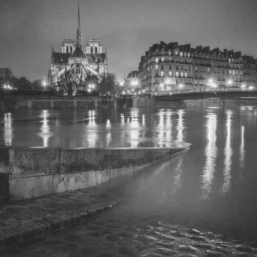 Nightphotography Notre Dame De Paris RICOH GR 2 City Long Exposure Night