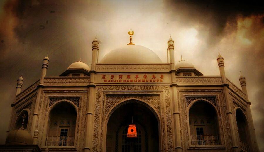 New Mosque Clouds Sky Landscape First Eyeem Photo StreetActivity Magazine Magazinestreet