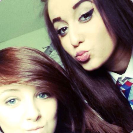this girl is my bestest friend and i love her loads Bestfriends Love Her School Beautiful ♥
