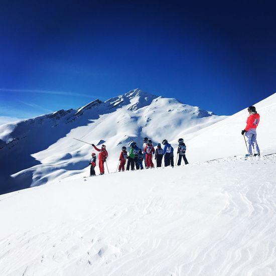 Sun Blue Ski Holiday Sport Winter Adventure Outdoors Skiinstructor Clear Sky Mountain Landscape Mountains Holiday Sunlight Skiresort France Beautiful Savoie-les Karellis-France Maurienne