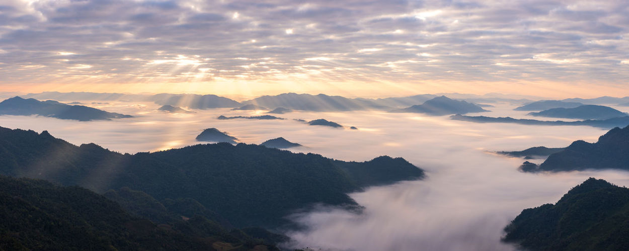 Lightshow Chiang Rai Cloudy Light Rays Morning Panorama Sunlight Thailand Cloudscape Dawn Fog Landscape Laos Mountain Mountain Peak Mountain Range Mountainscape Nature No People Outdoors Phu Chi Fa Scenery Sky Sunrise Travel Destinations Valley