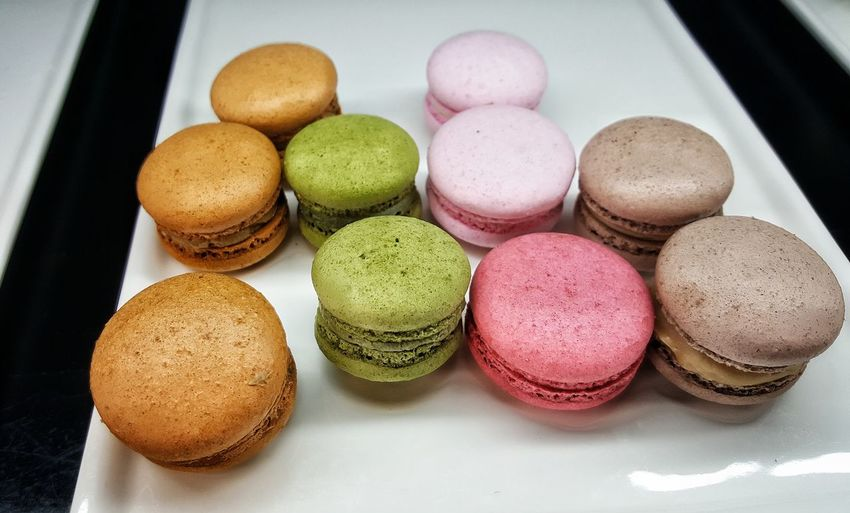 White Background Macaroon Dessert Multi Colored Variation Close-up Sweet Food Food And Drink Medium Group Of Objects Foil - Material Candy Heart Chocolate Powdered Sugar Dark Chocolate Chocolate Bar Donut Chocolate Sauce Cupcake Holder Colored Pencil Chocolate Cake Valentine Day - Holiday