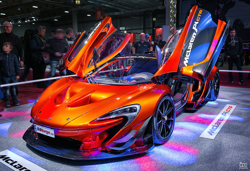 Illuminated Competition Maclaren Norway Show Alien Car Supercar Dreamcar Luxury Colorful Color Orange Color Red Expensive Cars Fast Car Inndor Event Carphotography