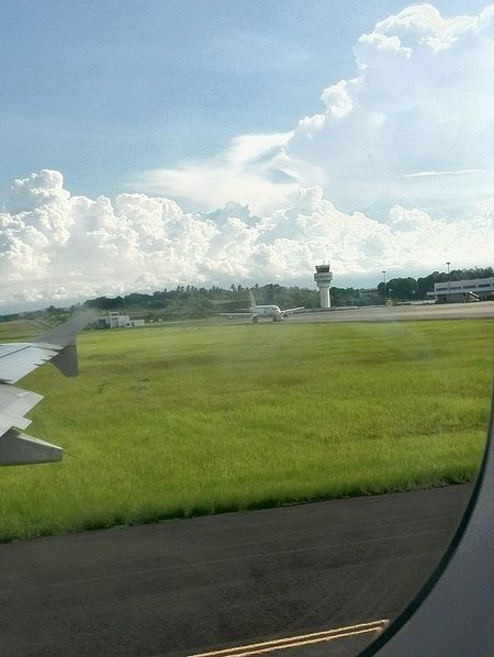 Going up! Throwback photo.. Airport Runway Grass Sky Cloud - Sky Airport Taking Photos Window View Windowtotheworld Windowseat Windowseatphotography Throwback Pic