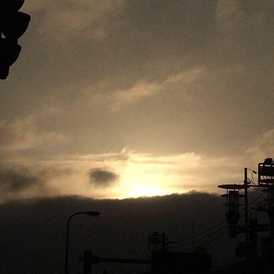 2015.05.19 . . . ゆうぐれ . . . Miillains Miillainsの好きなもの イマソラ カコソラ Igで繋がる Sky そら部 ダレカニミセタイソラ イツカミタソラ イマソラジャナイケド 無加工 曇り 雨あがり