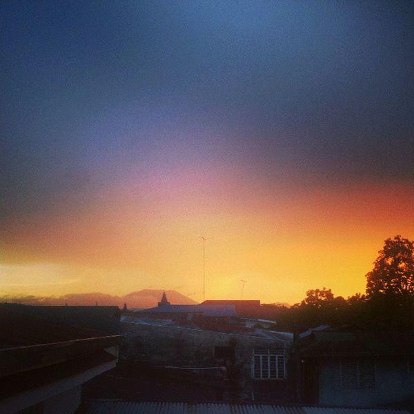 Hello sunset! <3 Laguna Igerslaguna Igerspinoy Filipinosbelike filipino pinoy sunset love philippines