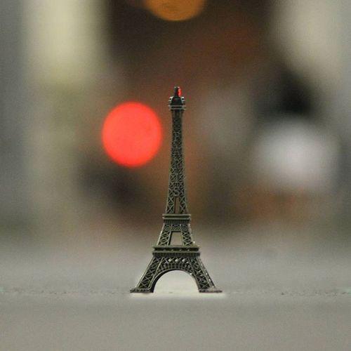 Mini-Eiffeltower l MiniEiffelTower Paris Cityoflight  Love_france Topparisphoto Instaamici Instagood Contrast Canon_official Canon_photos Parisphotographer Birhakeim Worldbestgram Wanderlust Instagoodfeatureme Magicpict World_lenz Insta_global Instagramhub 😚 ❤
