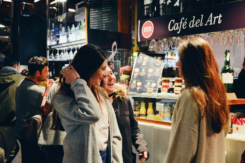 Adapted To The City Friendship Outdoors Food Smiling People City Urban Lifestyle Urbanphotography Happiness Adventure Night Crowd Togetherness Miles Away EyeEmNewHere Women Around The World