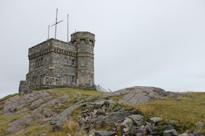 Signal Hill was where the first trans continental signal's were sent thus paving the way for the telephone. Architecture Bell Famous Place History Newfoundland Newfoundland, Canada Old Stuff Outdoors Signal Hill St. John's, NL Weathered