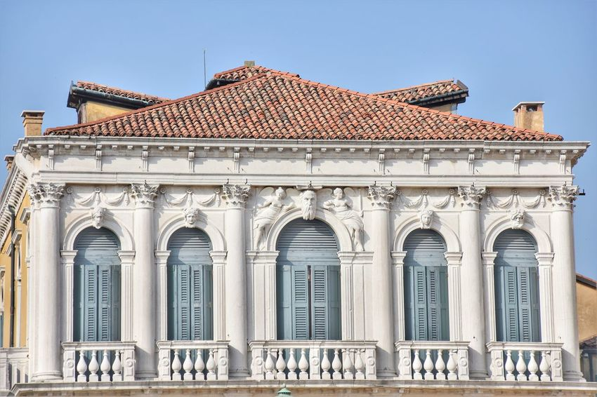 Streetphotography Urban Venice Politics And Government City King - Royal Person Sky Architecture Building Exterior Historic Palace Architectural Column Arch Castle
