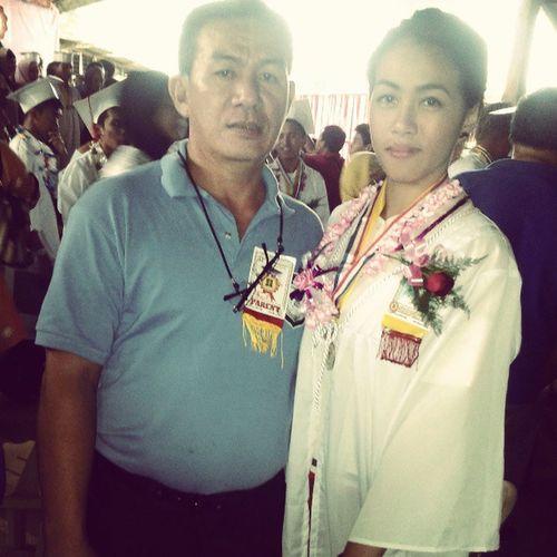 NakaToga noh? :-) hahaha! Graduate na. :-) ilovepapa ByeAlmamateeeeeeer WithPapa Yesterday 032713 T4B