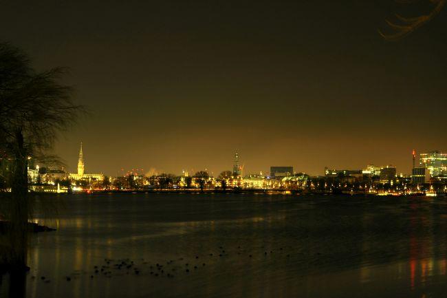 Hamburg Cityscape Citylights Hamburg Ein Blick Uber Die Aussenalster Außenalster Nightphotography Night Lights City Good Night Hanging Out Hamburg by night..