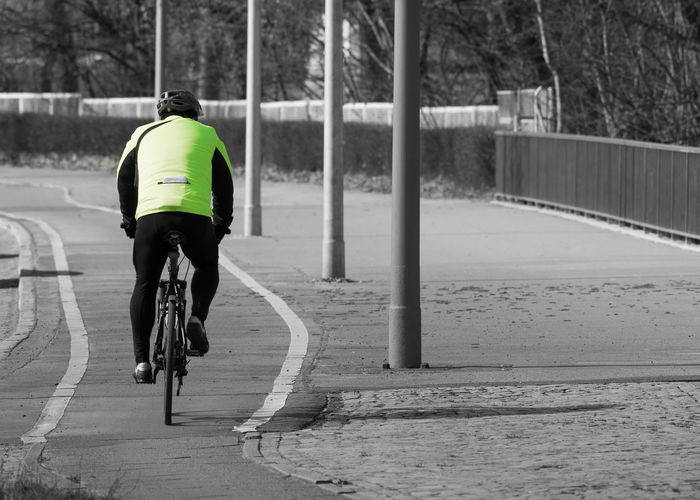Berlin Berlin Photography Berliner Ansichten Bicycle Cycling Day Healthy Lifestyle Keycolor Outdoors Rear View