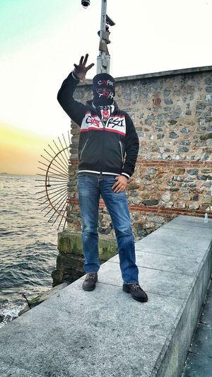 Holigan olduğum doğrudur tanısanız siz de seversiniz 😏 Besiktas Hanging Out Taking Photos Check This Out That's Me Hello World Hi! Enjoying Life Turkey Istanbul Turkey çArşı Asi Ruh çarsı çArşıYalnızDeğildir Beşiktaş ❤ Beşiktaş Sahil Beşiktaşk BJK1903 Semtcocukları BJK Its Me Holigan