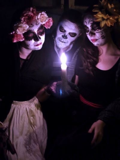 Candle light Candlelight Candle DIA DE MUERTOS Catrina Catrina Day Of The Dead Indoors  Spooky Women Young Adult Fear Real People Young Women Horror Illuminated Leisure Activity Costume Lifestyles Young Men Celebration Adult Portrait Night Halloween Dark