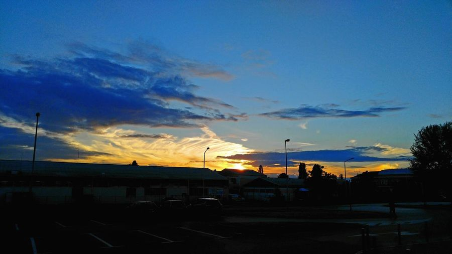 Sunset Cloud - Sky Silhouette Sky No People Outdoors Nature Beauty In Nature City Bird Day LGV10 Lg V10