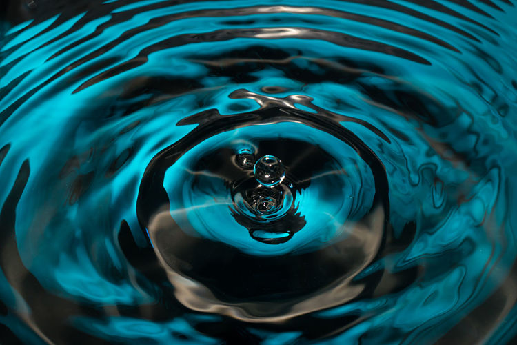 Shapes Water Backgrounds Pattern No People Concentric Rippled Motion Blue Full Frame Drop High Angle View Clean High-speed Photography Splashing Droplet Falling