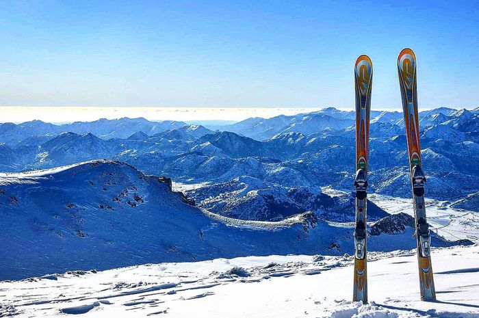 View Skicenter Ski Snow Mountain Winter Cold Temperature Mountain Range Outdoors Nature Beauty In Nature Sky Clear Sky Ski Holiday EyeEm Ready   EyeEmNewHere Shades Of Winter
