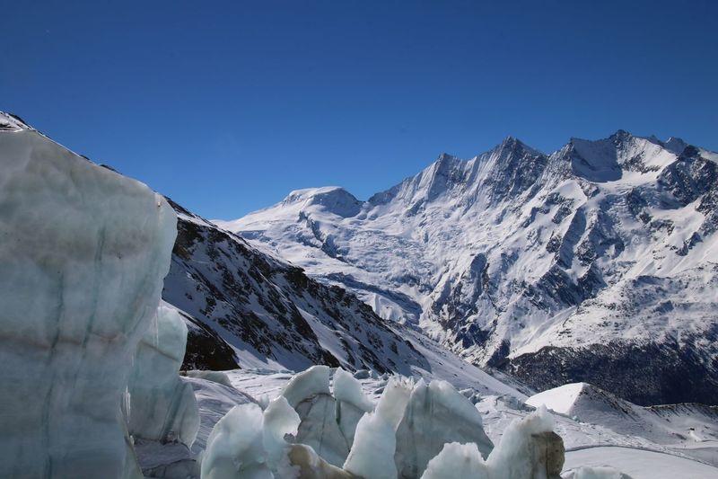 Gletscher mit Bergen Snow Winter Cold Temperature Mountain Beauty In Nature Sky Scenics - Nature