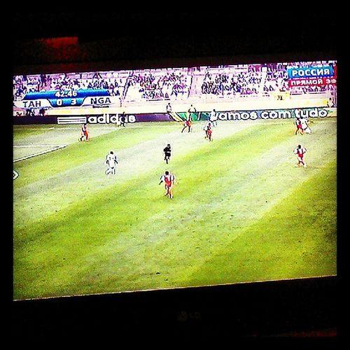 Таити Нигерия очень классно посмотреть на открытый футбол , без тактики) Сборная Таити хорошо смотрится