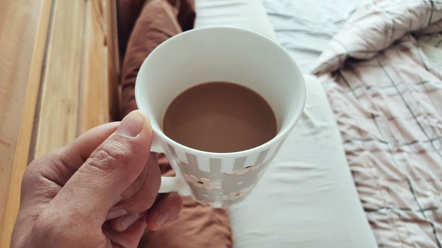 Morning Coffee in Bedroom Cozy Comfort Comfortable Relaxing Relax Relaxation Rest Day Off Bed Focus Hand Happy Peaceful