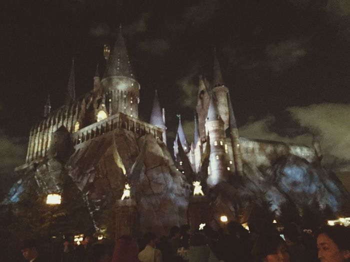 Hogwarts In Japan Harrypotter USJ In Osaka there were so many people and Harries and Hermiones inthis area. so pretty