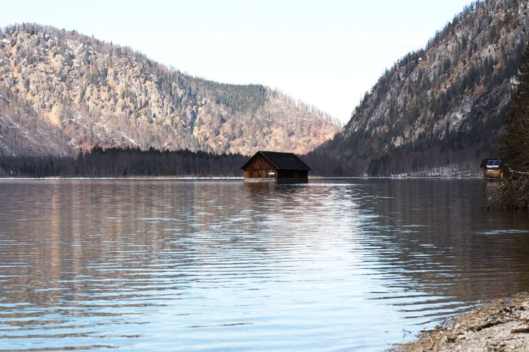 Hütte See Almsee Water Mountain Lake Tree Sky Architecture Built Structure Boathouse Scull Sculling Stilt House Snow Covered Snowcapped Mountain Myanmar Culture Thatched Roof Stilt Snow Watermill Cottage Snowcapped Barn Hut Shack Shed