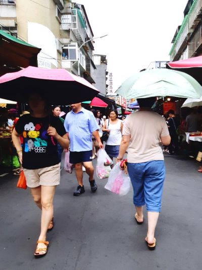 Summer In The City Outdoors adventures in the city Taipei Taiwan Taiwanese City Full Length Crowd Men Women Market Togetherness Walking Fun Young Women