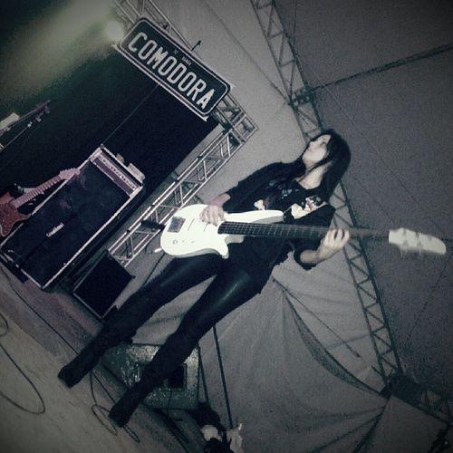ComoDora Baixista Showza ço Rockn 'roll shakeshakeshake badgirl Iloveher sucesso @deisinhacomodora