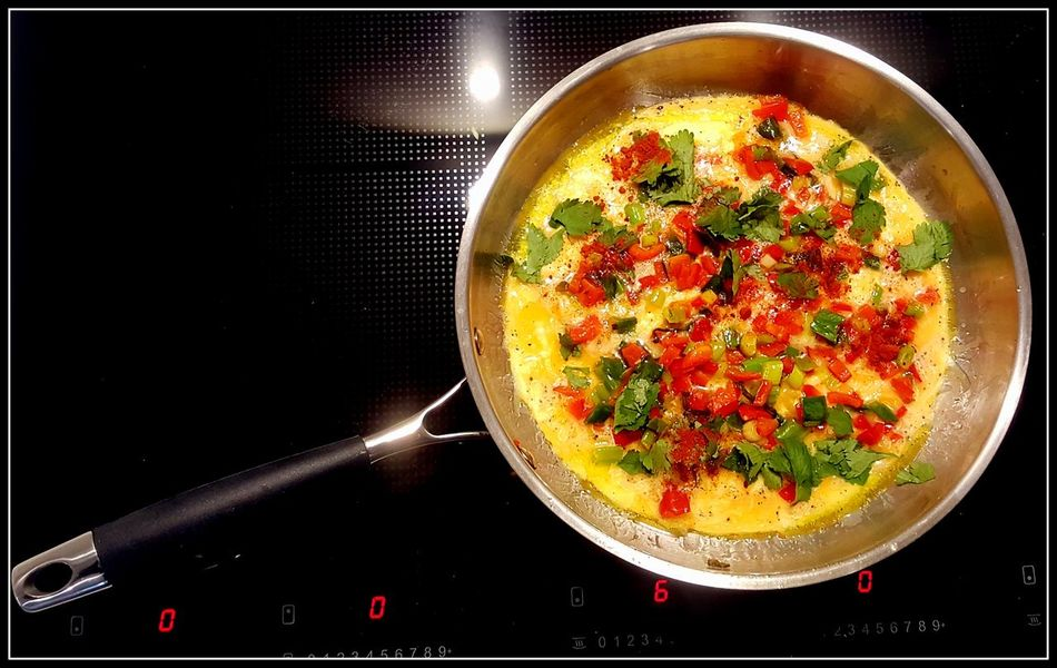 Home Cooking Black Background Close-up Cooking Pan Day Directly Above Food Food And Drink Freshness Healthy Eating Indoors  Induction Induction Cooker Miele Omlette Ready-to-eat