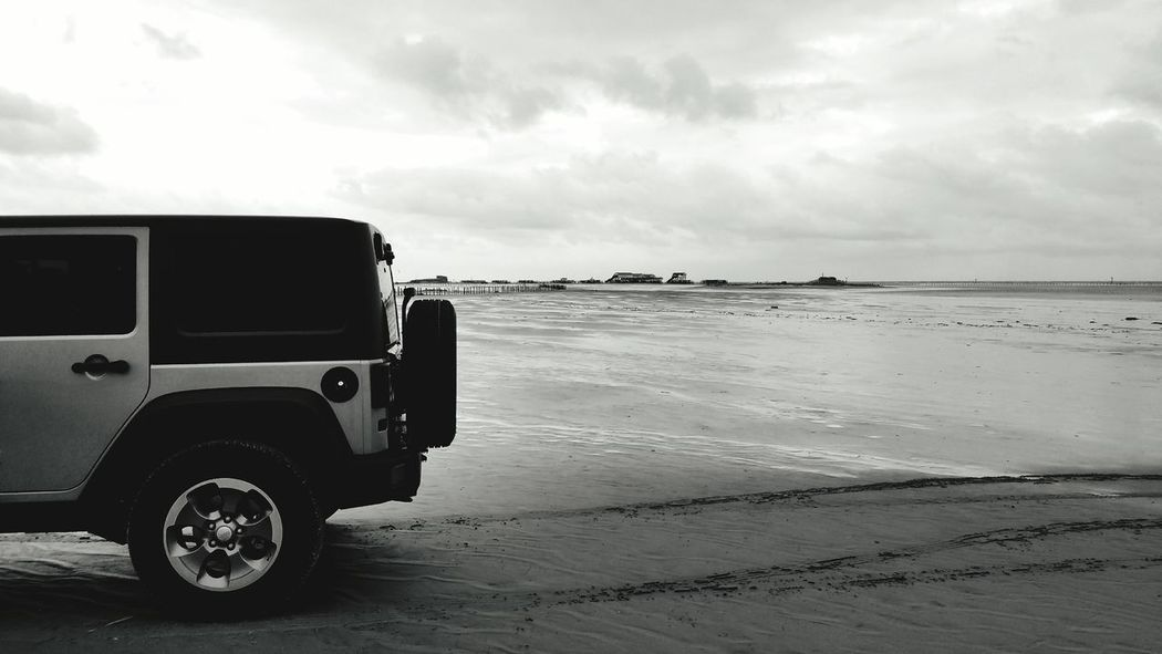 Rubi am Strand!😎😆 Beach Cloud - Sky EyeEm Walking Around Snapshot Taking Photos EyeEm Best Shots - Nature EyeEm Best Edits Eyeem Best Shot EyeEm Best Shots Hello World From My Point Of View Smartphonephotography Life Is Better At The Beach EyeEm Best Pics Jeep Jeep Life Jeep Wrangler  Jeeplife Jeeping Jeeplove Sankt Peter-Ording SPO Nordfriesland Friesland