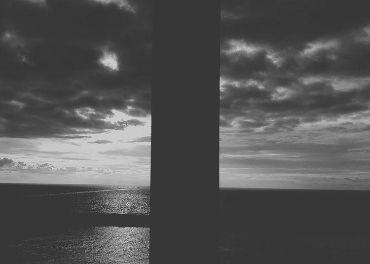 Observar la magnitud de tu belleza y sentirme cada día más grande Luces Y Sombras Sueños Streetphotography Reflexiones EyeEmBestPics Eye4photography  Black And White Blackandwhite Photography Streetphoto_bw Igblacknwhite Blacknwhite Loveblackandwhite IloveBlackAndWhite Reflection_collection Sky_collection Buenosdias Cloudporn PlaceresDeLaVida Santa Cruz De Tenerife