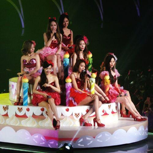 Girls Generation World Tour 2013 live in Jakarta GGWorlTourINA