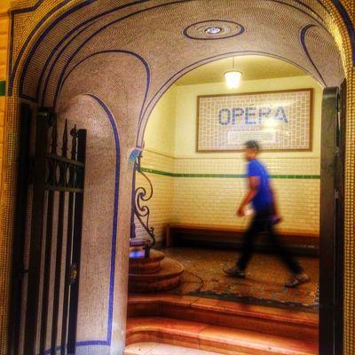 Shopping Man Opéra