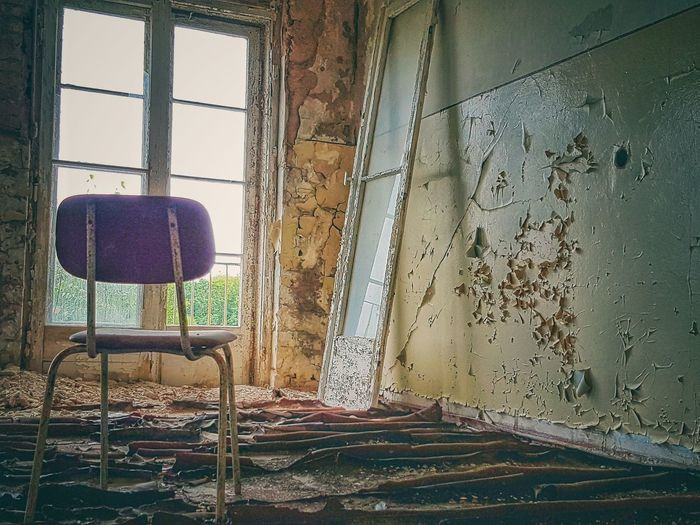 Indoors  Window Chair No People Home Interior Curtain Day Close-up Urban Moment Urbanphotography Urban Exploration Still Life Abandoned & Derelict Abandoned Buildings Urbexphotography