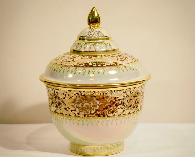 Benjarong Close-up Culture Five Colored Gold Green Handmade No People Porcelain  Rattanakosin Rattanakosin Period Relaxing Thailand That's Me Traditional Traditional Culture Yellow