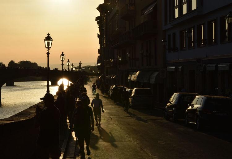 Bridge Firenze First Eyeem Photo Lampione Lampions Lungarno Passeggiando Passeggiate Ponte Riflessi Sagome Sole Sole...☀ Soleil Tramonto