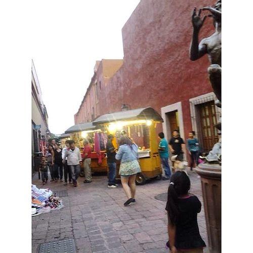 Amo chacharear en las callesitas Querétaro Mexico Mexicotrip Travel Coloresmexicanos Chacharear