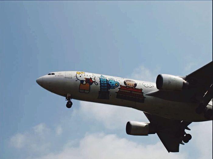 Eyeemphoto EVA air A330-300 B-16333 Hello Kitty <3