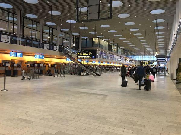 Airport Airport Waiting